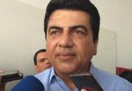 Campanha de Manoel Júnior é suspensa por três dias e Justiça Eleitoral ameaça cassar seu registro em Pedras de Fogo