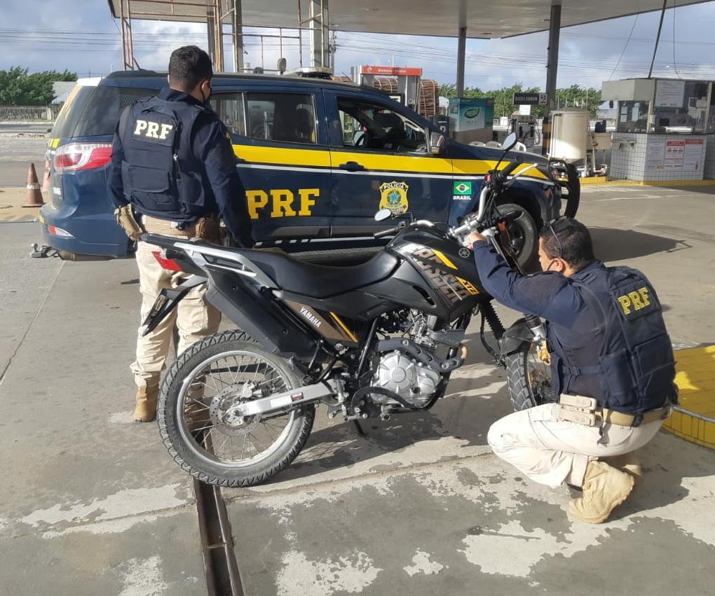 moto prf - Polícia Rodoviária Federal recupera na Paraíba moto roubada em Pernambuco