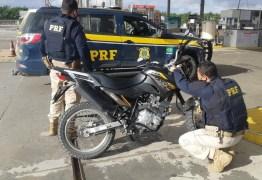 Polícia Rodoviária Federal recupera na Paraíba moto roubada em Pernambuco