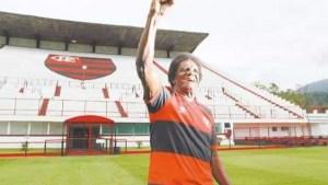 naom 5f75689922b79 300x169 - Ídolo do futebol brasileiro, 'Batuta' morre aos 80 anos de Covid-19