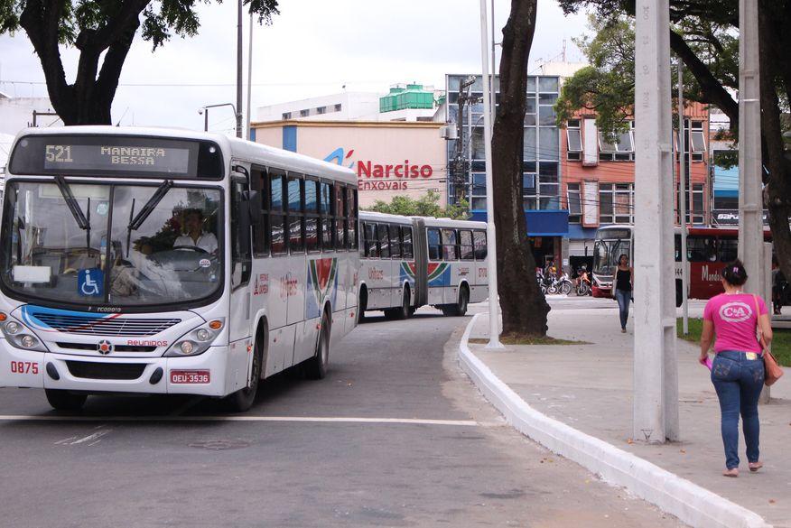 paradas de onibus walla santos4 - Linhas de ônibus passam por mudanças em João Pessoa a partir desta segunda-feira