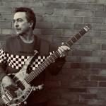 tony - Tony Lewis, vocalista da banda Outfield, morre aos 62 anos