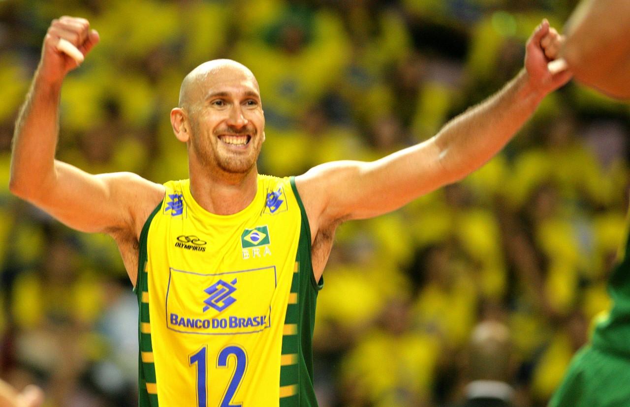 unnamed 9 - Campeão mundial de vôlei é o convidado do Esporte #EmCasaComSesc deste domingo (11)