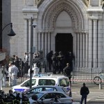 x90259014 French members of the elite tactical police unit RAID enter to search the Basilica of N.jpg.pagespeed.ic . 1ezpdvOwN - Ataque com faca deixa 3 mortos e vários feridos em Nice, na França