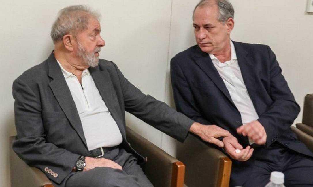 xlula.jpg.pagespeed.ic .7voh 4Pcef - Após dois anos rompidos, Lula e Ciro Gomes se reúnem e selam a paz