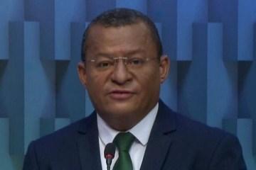 """DEBATE TV CABO BRANCO: """"A cidade não admite candidato fazendo galhofa"""", diz Nilvan a Cícero"""