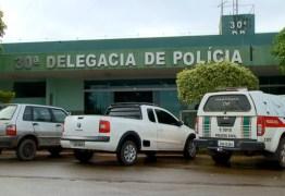 """Vigilante é preso no DF por suspeita de estupro com crianças; ele usava short com buraco para """"facilitar"""" o ato"""