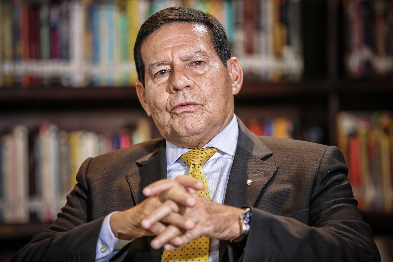 48147483827 9d74d36c42 k - Posição do Brasil deve ser neutra nas eleições dos EUA, afirma Mourão