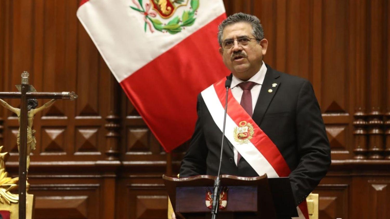 "5MWJIHNDZRAMRKTV3ODGIB3LG4 - ""GOLPE DO CONGRESSO"": após protestos, presidente do Peru, Manuel Merino anuncia renúncia"