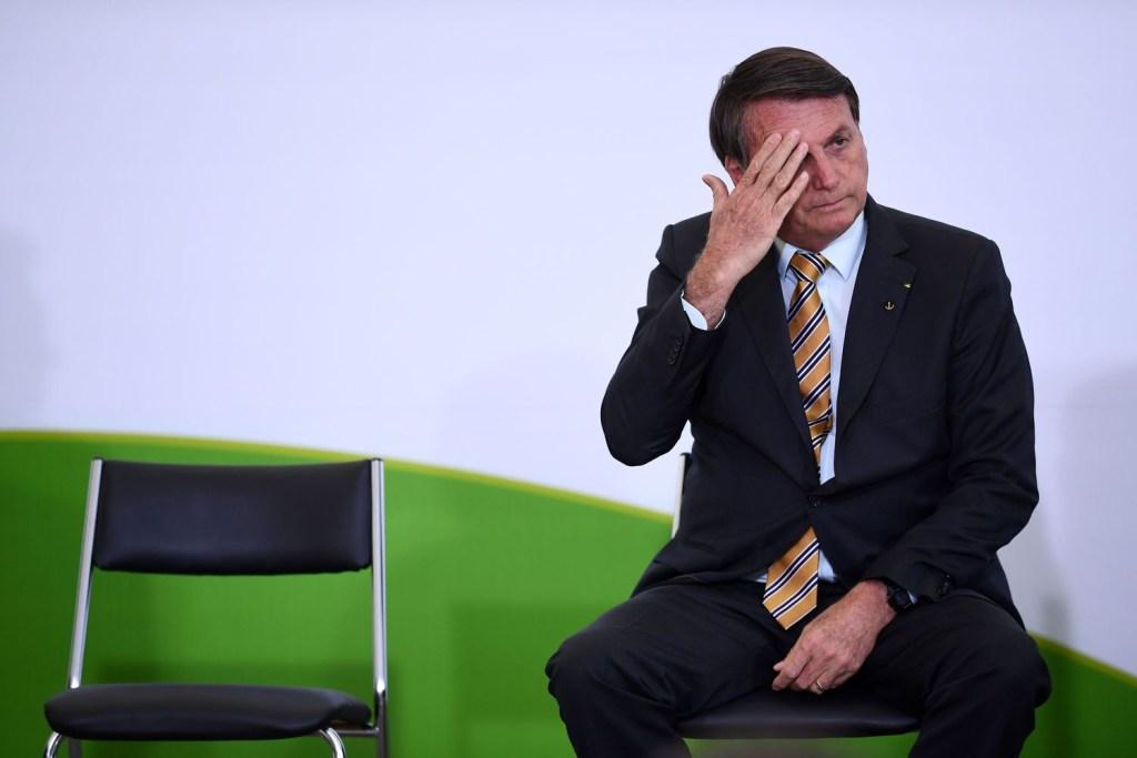 FAKJXSVAXZBV5CRQXUFEMUAWAM 1024x683 - Bolsonaro incentiva politização da vacina e coloca imagem técnica da Anvisa em xeque - Por Afonso Benites