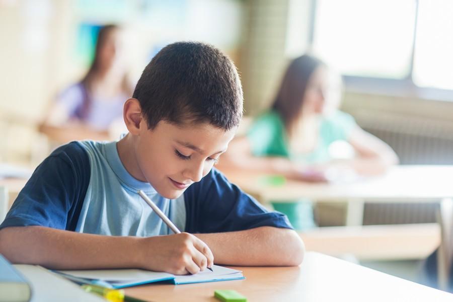 FOTO 1 - Um em cada 4 alunos do 2º ano do fundamental não sabe escrever corretamente