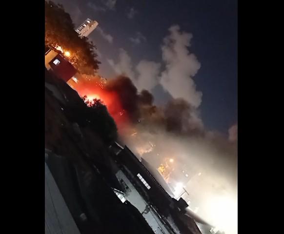 Incêndio Cinco Bocas - Bombeiros controlam incêndio registrado em oficina na cidade de João Pessoa
