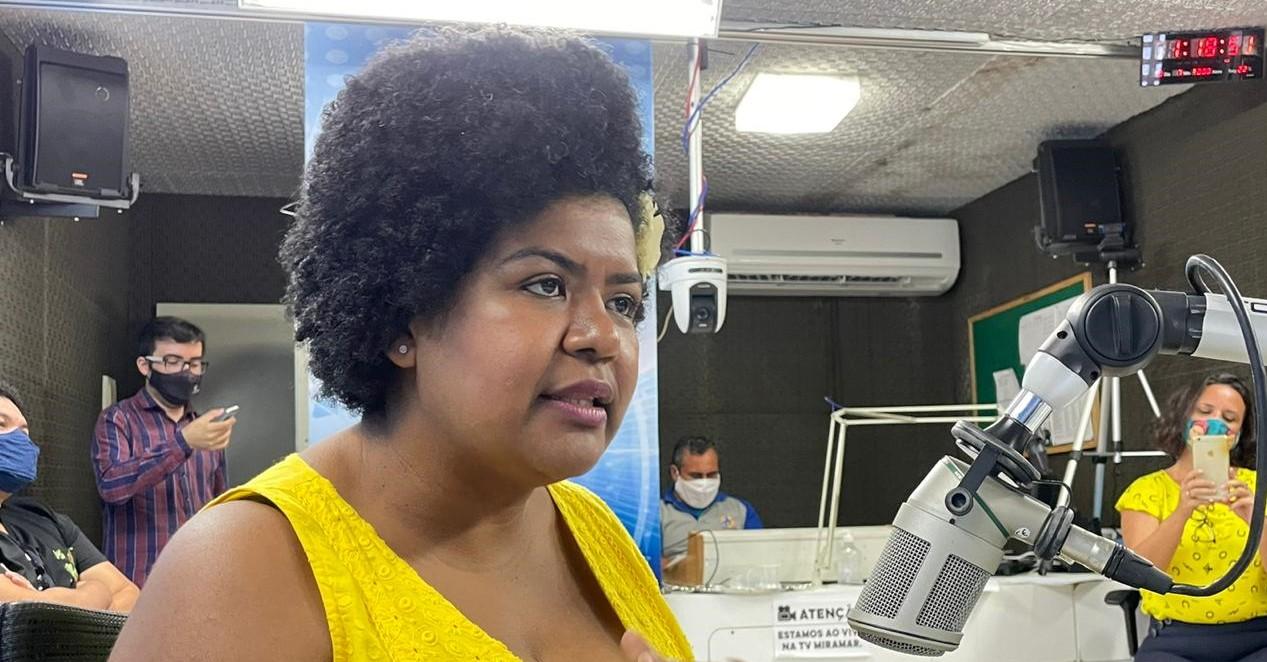 JO OLIVEIRA - Conheça Jô Oliveira, primeira vereadora negra eleita em Campina Grande
