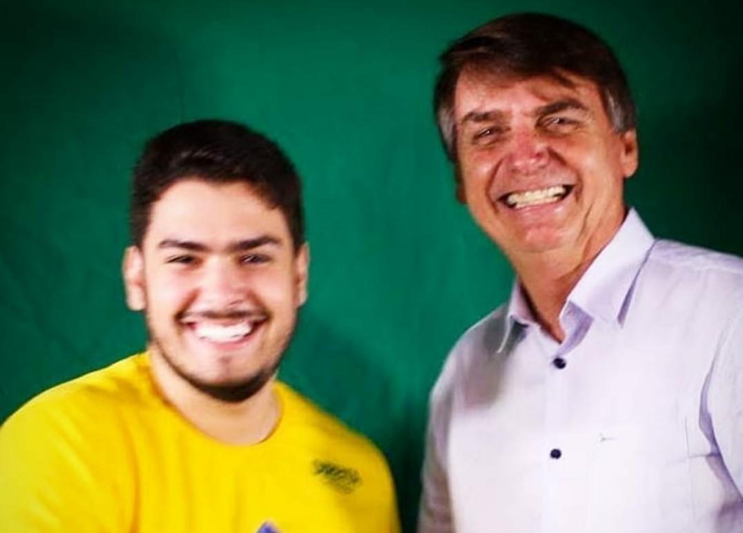 Thiago Melo - NESTA QUARTA-FEIRA: Bolsonaro pede mais votos para candidatos a vereador em Campina Grande