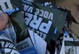 """SEM IDENTIFICAÇÃO DE AUTORIA: Cícero é vítima de panfletos ofensivos que """"poluem"""" a cidade – VEJA VÍDEO"""