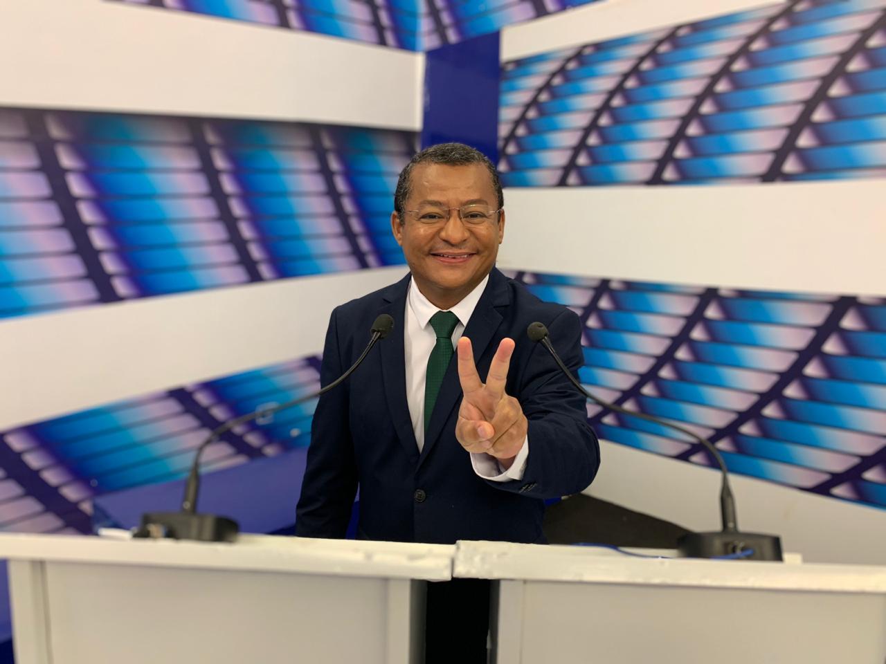 Em debate, Nilvan anuncia que Banco da Retomada vai disponibilizar até R$ 15 mil para o microempreendedor