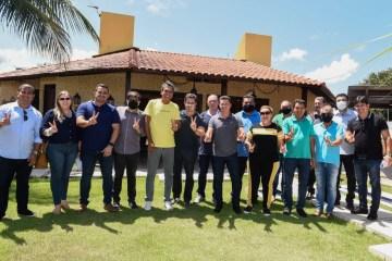 "Prefeitos aliados de Ricardo Barbosa destacam apoio municipalista de Veneziano: ""o gabinete do senador é a nossa casa"""
