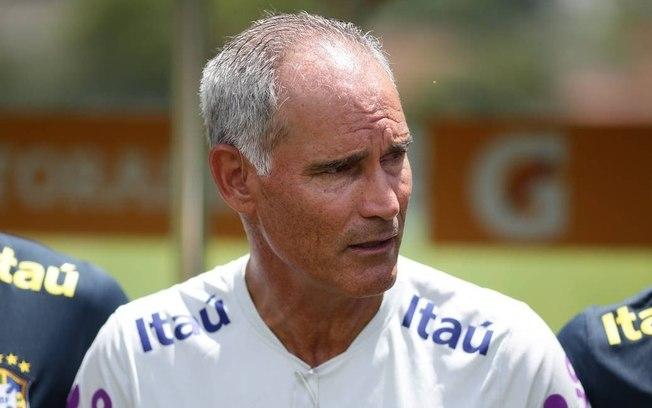 b9norss6m0fxhqm5mdlegh1m2 - Ex-Seleção brasileira e substituto de Jorge Jesus, treinador morre aos 55 anos