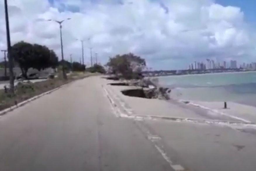 barreira cabo branco joao pessoa desabamento foto video - DENÚNCIA: turista revela susto em área de desabamento na Barreira do Cabo Branco, em João Pessoa