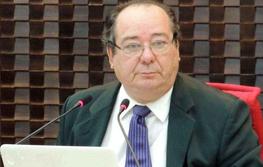 Investigado da Operação Calvário: STJ cancela aposentadoria de Arthur Cunha Lima no TCE-PB