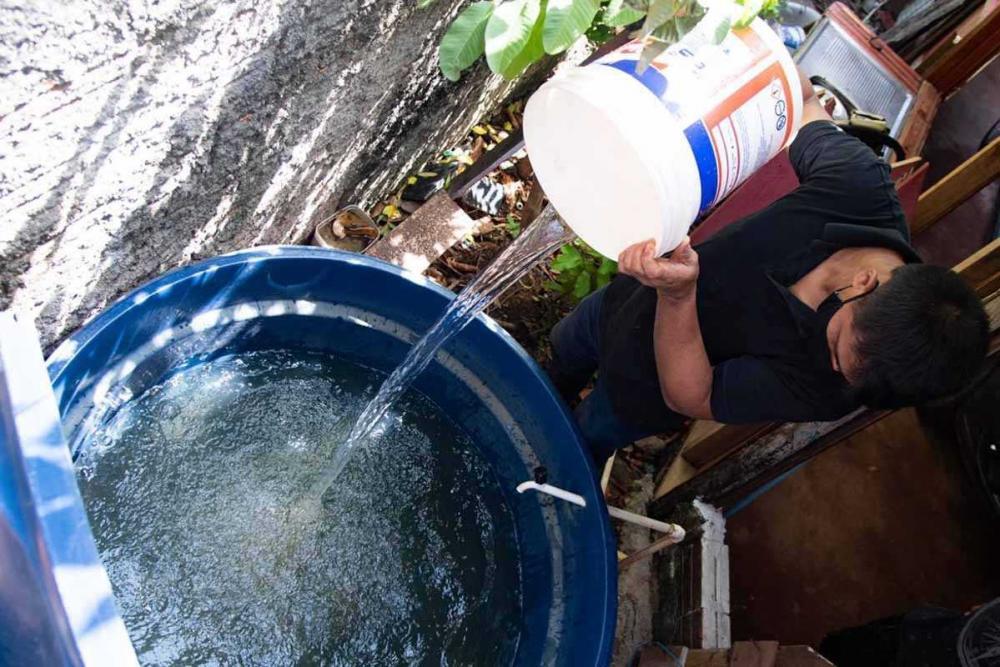 esgoto - Apagão no Amapá: moradores pegam água às margens de esgoto