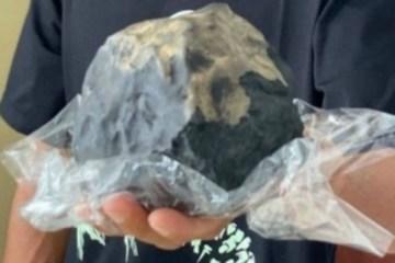 Meteorito atravessa telhado de casa e deixa morador milionário