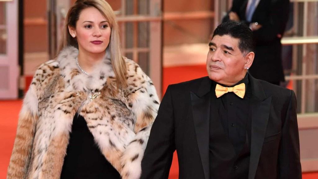 naom 5fbf71cd34044 1024x576 - Ex-namorada de Diego Maradona, Rocío Oliva, é impedida de participar do velório - VEJA VÍDEO
