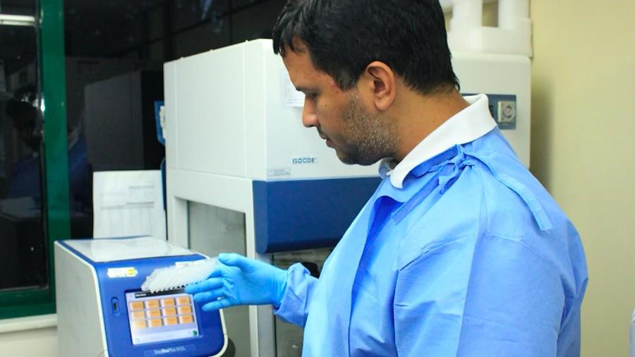 pesquisador felipe naveca da fiocruz fundacao oswaldo cruz amazonia descobriu 4 linhagens ineditas do coronavirus no pais 1605304088176 v2 900x506 - Pesquisa descobre 4 linhagens inéditas do coronavírus no Brasil