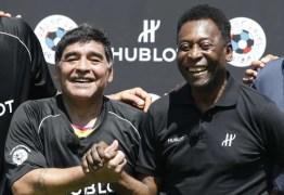 Pelé lamenta morte de Diego Maradona: 'Vamos bater uma bola juntos no céu'