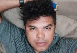 Jornalista é assassinado com tiros à queima roupa dentro de carro