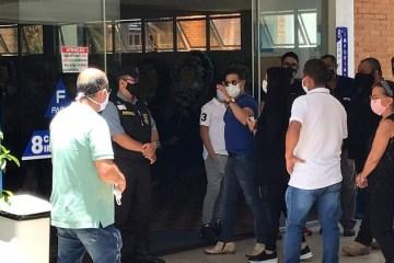 whatsapp image 2020 11 24 at 112854 1  - Zezé Di Camargo, parentes, famosos e autoridades participam do velório de Seu Francisco em Goiânia