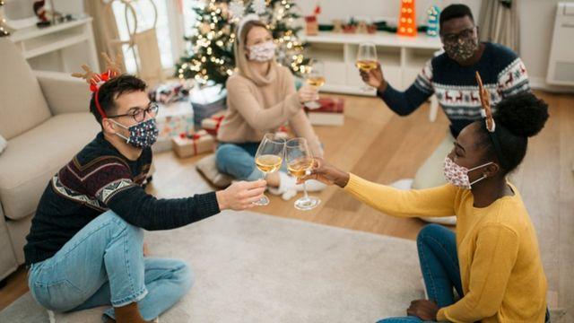 115971915 gettyimages 1281793672 - Especialista dá dicas de como se manter animado durante festas de fim de ano em meio à pandemia