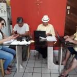 Equipe do gabinete do deputado Jeová Campos acompanhando a sessão remota da ALPB desta quarta feira - ALPB derruba veto do governador e visita hospitalar virtual a pacientes com Covid na PB será realidade