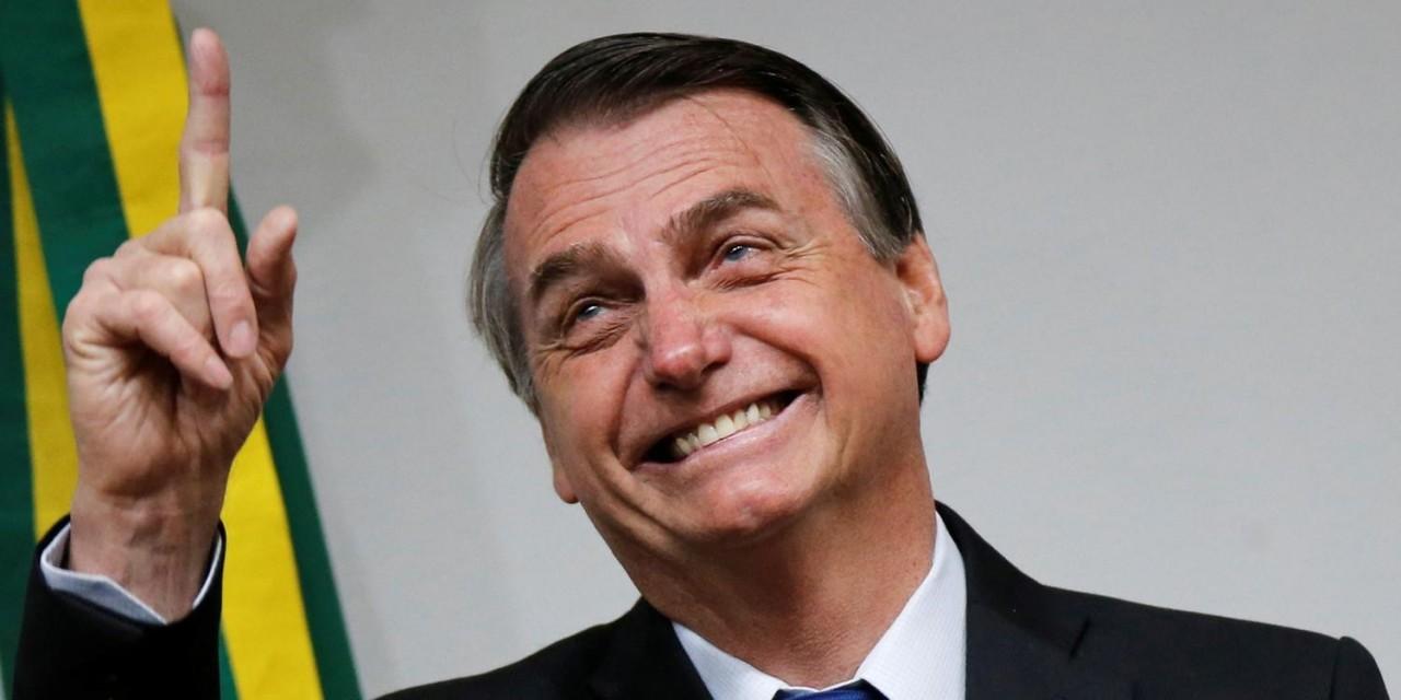 Jair Bolsonaro felizz - Bolsonaro veta principal ponto da proposta que previa banda larga em todas as escolas públicas até 2024
