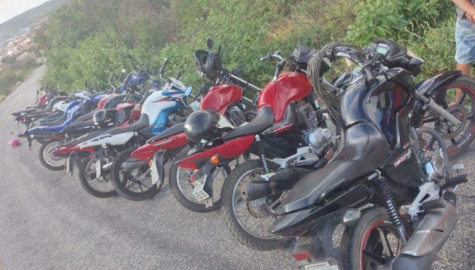 Motos apreendidas no Sertao 683x388 1 - Polícia Militar apreende 17 motos e acaba com 'rolezinho' no Sertão da Paraíba