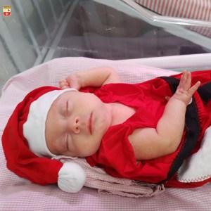WhatsApp Image 2020 12 21 at 21.40.55 1 300x300 - Bebês de UTI neonatal fazem ensaio fotográfico para o Natal
