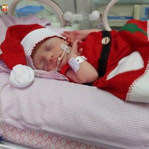 WhatsApp Image 2020 12 21 at 21.40.55 4 300x300 - Bebês de UTI neonatal fazem ensaio fotográfico para o Natal