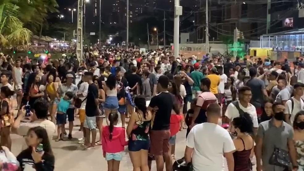 aglomeracao orla - Novo decreto com medidas contra covid-19 deve atingir 144 cidades paraibanas; veja quais são