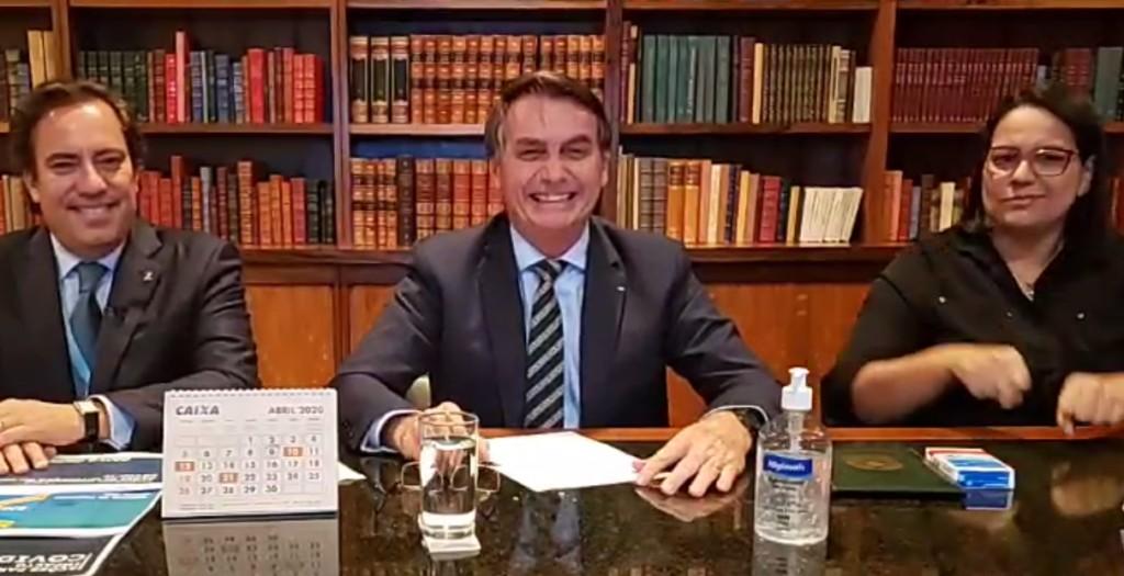 """bolnosauro - BANHO DE GATO: Bolsonaro pede para brasileiros """"tomarem banho mais rápido"""""""
