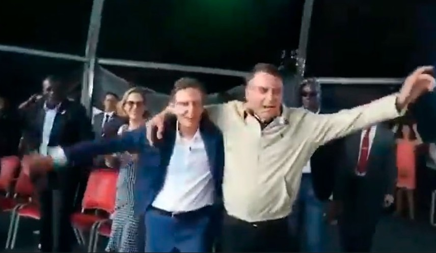 """bozo 2 - Bolsonaro quebra silêncio sobre Crivella e fala em """"perseguição a quem está a seu lado"""""""