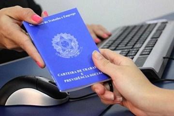 carteira de trabalho - Programa de redução de salários registrou mais de 123 mil acordos na Paraíba