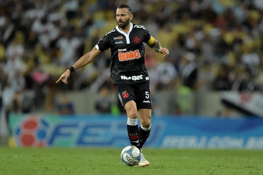 """castán - Após eliminação do Vasco, Castán desabafa, diz que estão """"tentando de tudo"""" e afirma que haverá cobranças"""