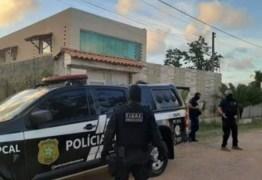Polícia prende em Alagoas suspeito de matar três pessoas e enterrá-las nos fundos de escola e pousada