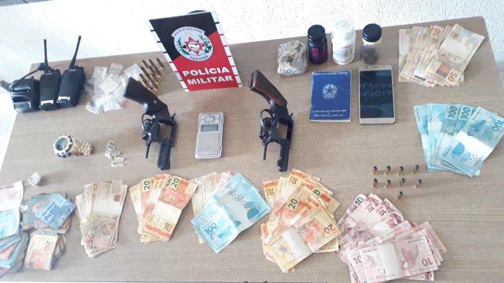 droga 1 - Apenados usando tornozeleiras eletrônicas são presos com drogas e armas na Capital