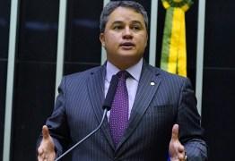 Efraim Filho destina recursos para obras na cidade de Lastro e prefeito Dr. Athaíde agradece