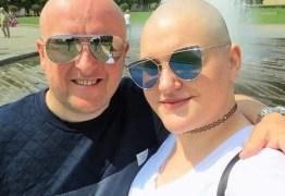 Mulher engana amigos fingindo ter câncer para ter dinheiro para se casar