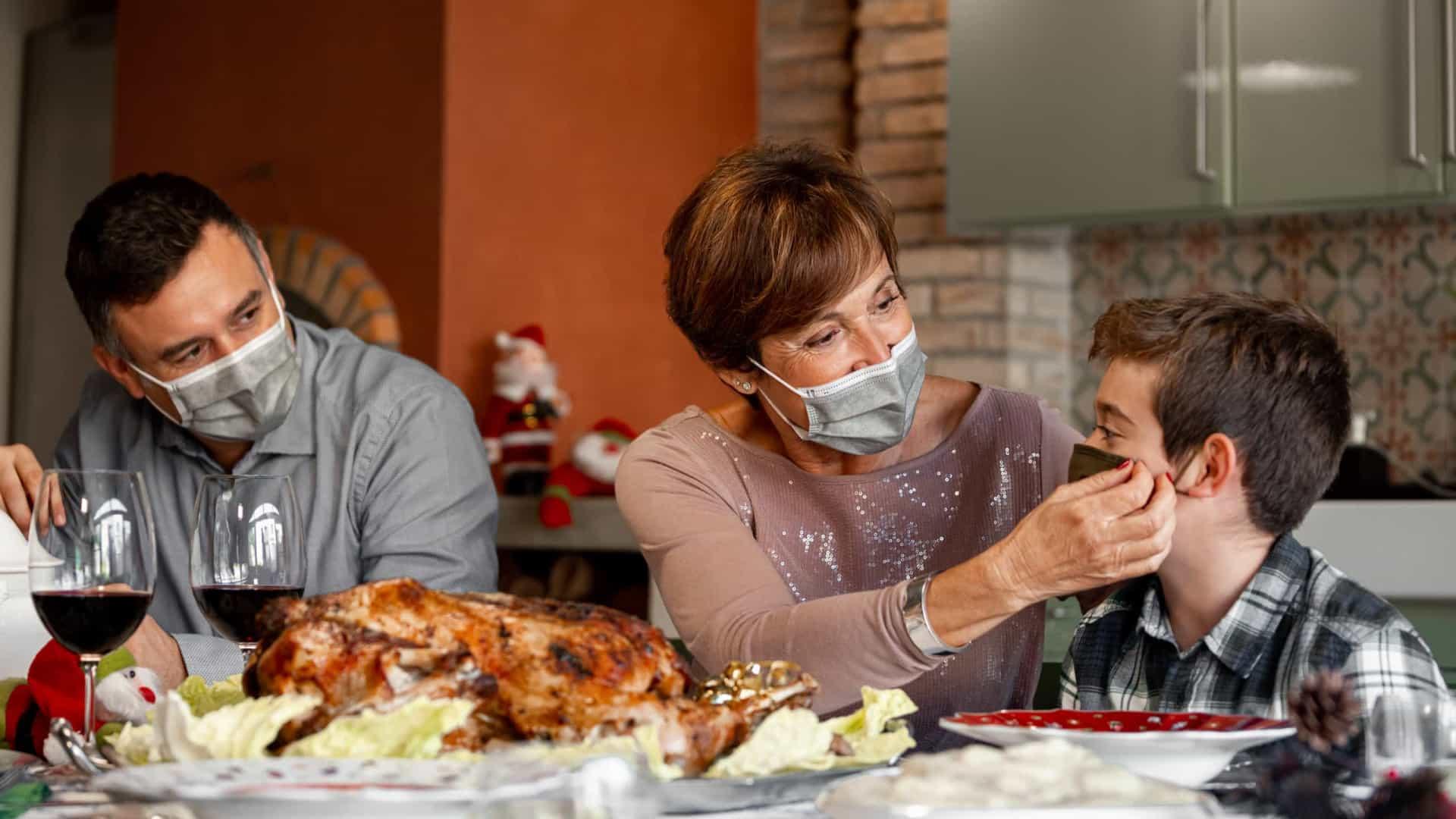 naom 5fe991f505e1d - Encontrou a família e sintomas de Covid começaram agora? Isole-se e avise-os