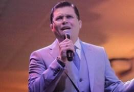 """Pastor bolsonarista diz que CoronaVac provoca câncer e tem 'HIV dentro': """"é loucura"""""""