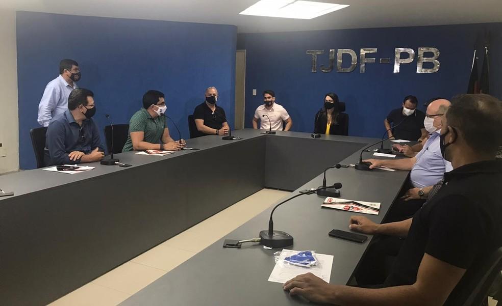 times - 'PARAÍBA ESPORTE TOTAL': secretaria confirma repasses a clubes sem pendências com o Estado