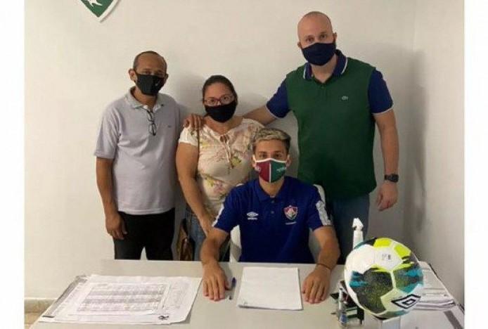 treee - Joia do sub-20 renova com o Fluminense até o fim de 2023